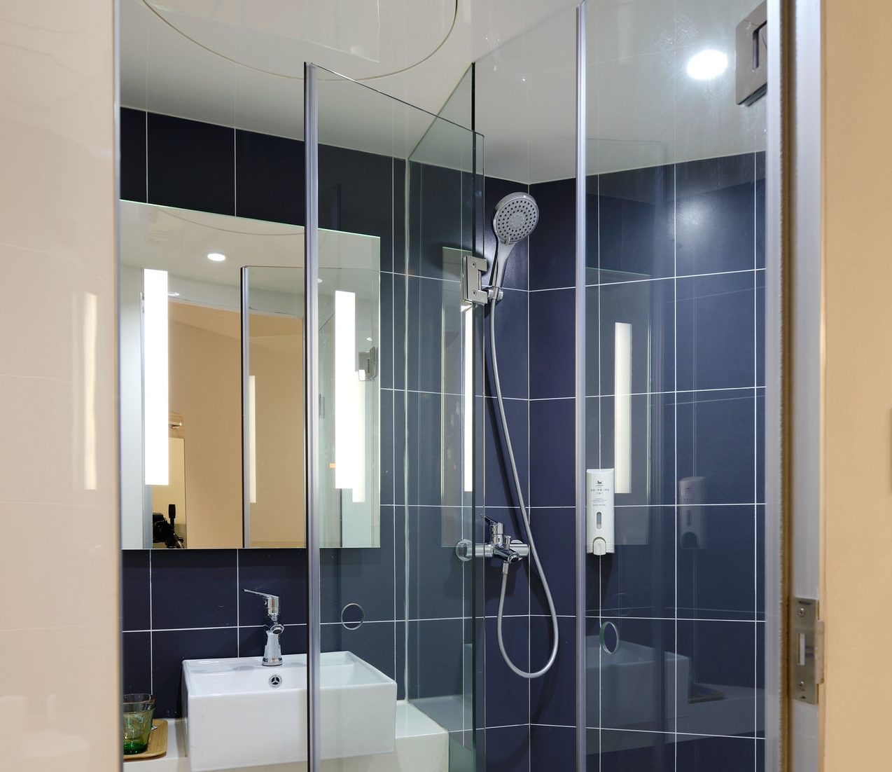 10mm Toughened Shower Panels